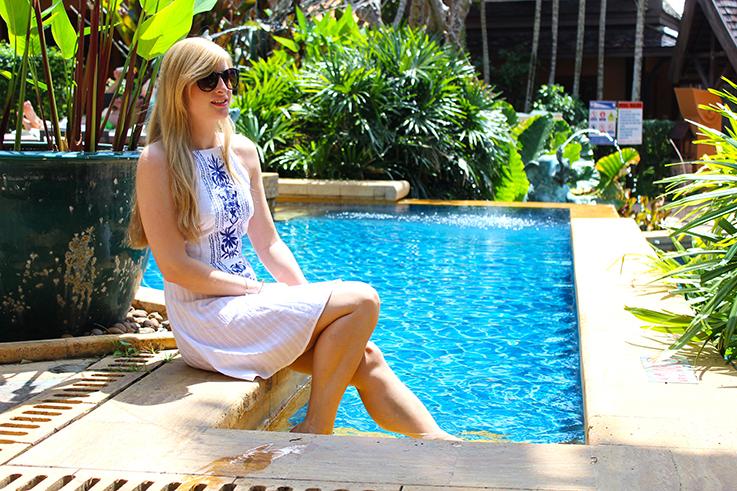 Amari Vogue Krabi Thailand Luxushotel Hotelbericht Review Reiseblog Pool Brinis Fashion Book