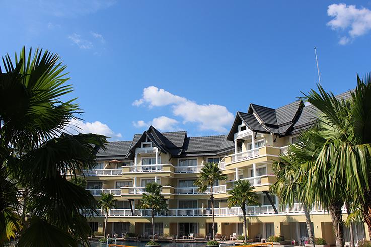 Angsana Laguna Phuket: Weiße Loft Suite und eine eigene Lagune in Thailand