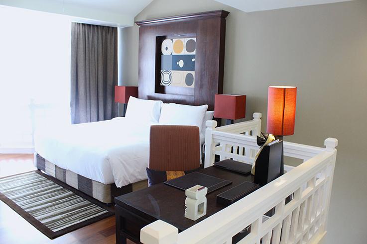 Angsana_Laguna_Phuket_Hotelbericht_Loft_Suite_Schlafzimmer_Interior_Thailand_Luxushotel_Reiseblog