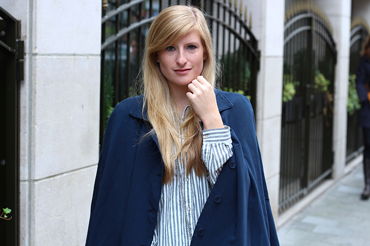 Blusen Layering kombinieren Vokuhila Shirt Stoff-Cape Outfit OOTD Brüssel Modeblog 8