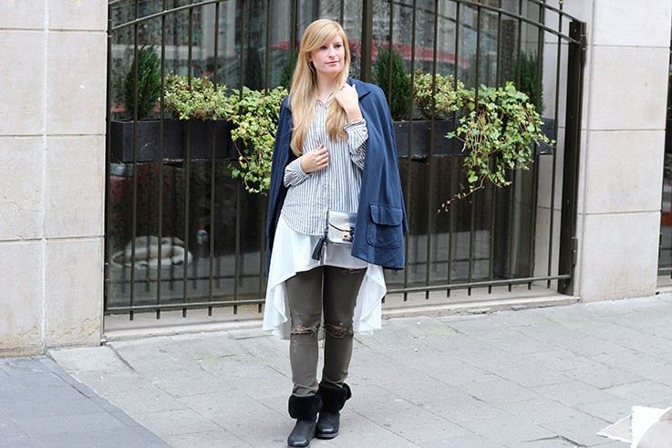 Blusen Layering, Cape & Ripped Jeans in Brüssel