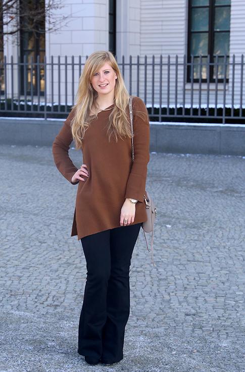 Flared Jeans Schlaghose kombinieren Zara Off-Shoulder Pullover Modeblog Trend Frühling 2