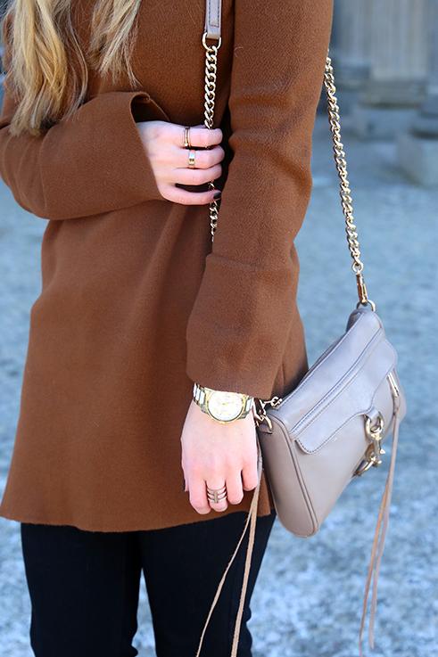Flared Jeans Schlaghose kombinieren Zara Off-Shoulder Pullover Modeblog Trend Frühling 9