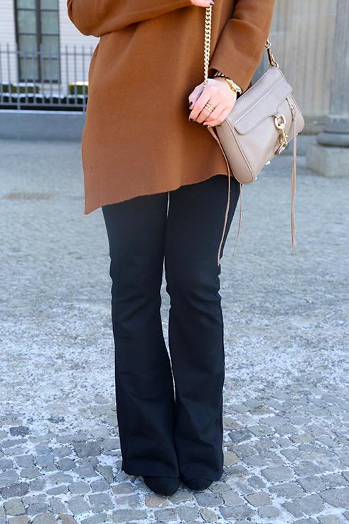 Flared Jeans Schlaghose kombinieren Zara Rebecca Minkoff Tasche Modeblog Trend Frühling.1JPG