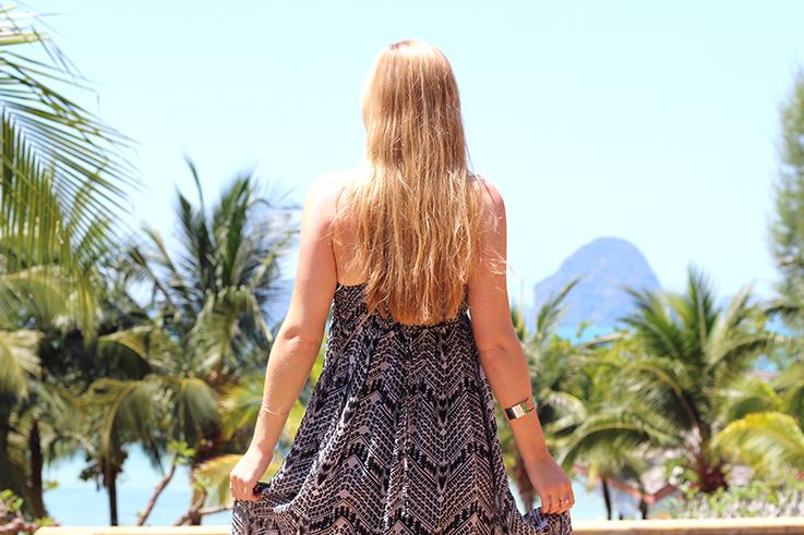 Maxikleid Vokuhila Zalando Sommerurlaub OOTD kombinieren Thailand Palmen silberner Schmuck Modeblog Sommeroutfit 3