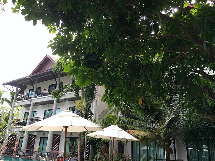 Navatara Phuket Resort Hotel Thailand Hotelbericht Reiseblog Außenansicht