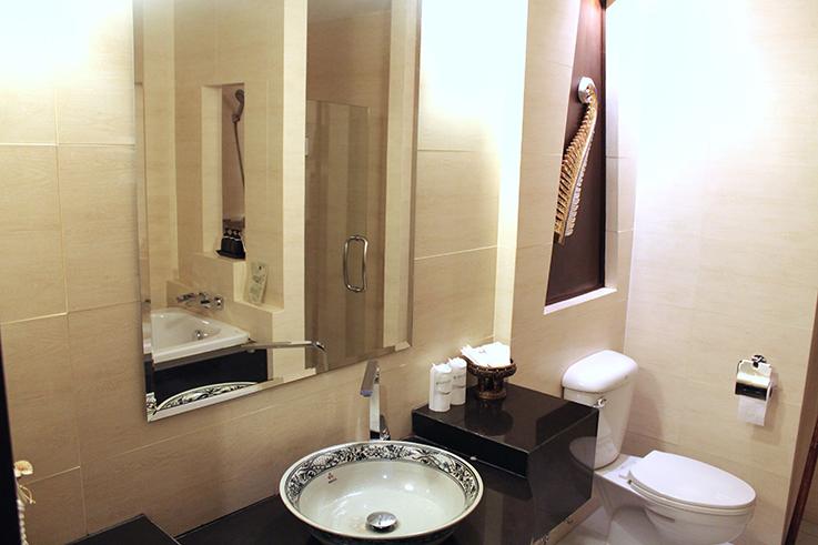 Navatara Phuket Resort Hotel Thailand Hotelbericht Reiseblog Badezimmer