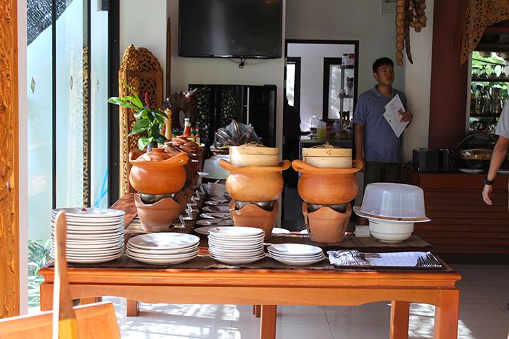 Navatara Phuket Resort Hotel Thailand Hotelbericht Reiseblog Frühstück