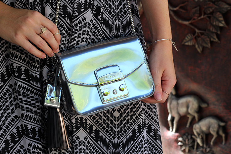 Sommerurlaub OOTD kombinieren silberne Furla Metropolis Modeblog Sommeroutfit 5