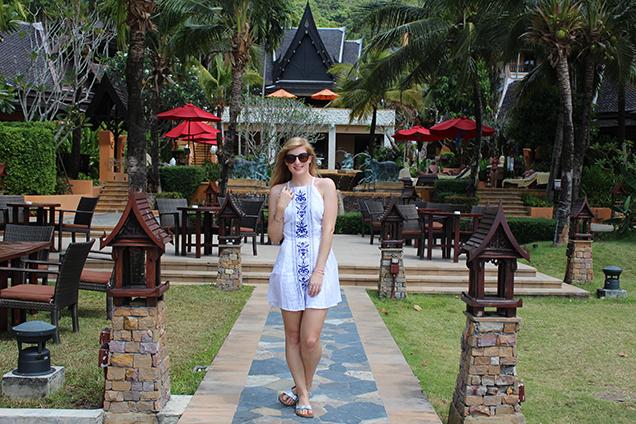Weißes Strandkleid Outfit Thailand Strandlook Urlaub Modeblog 7