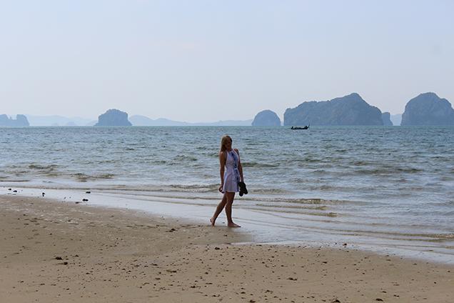 Weißes Strandkleid Outfit Thailand Strandlook Urlaub Modeblog 1