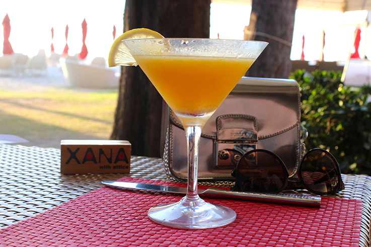 Xana__BeachBar_Cocktail_Cobra_scharf_Angsana_Laguna_Phuket_Thailand_Luxushotel_Reiseblog