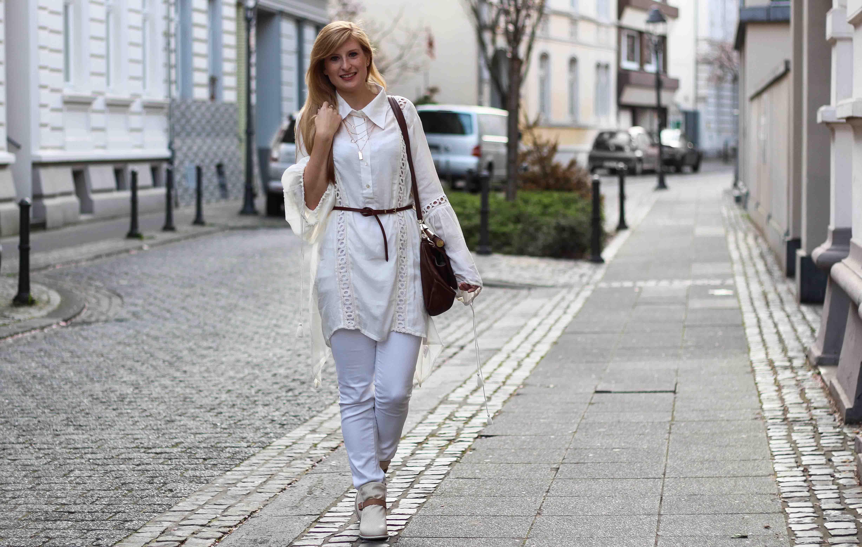 All White Outfit Frühlingslook Tunika Bluse weiße Hose Modeblog Bonn 6
