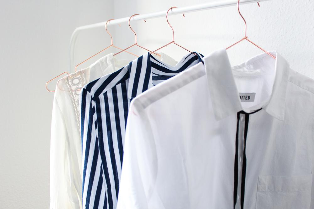 Frühlingstrend Blusen Blusentrend Interior Kupfer Kleiderbügel