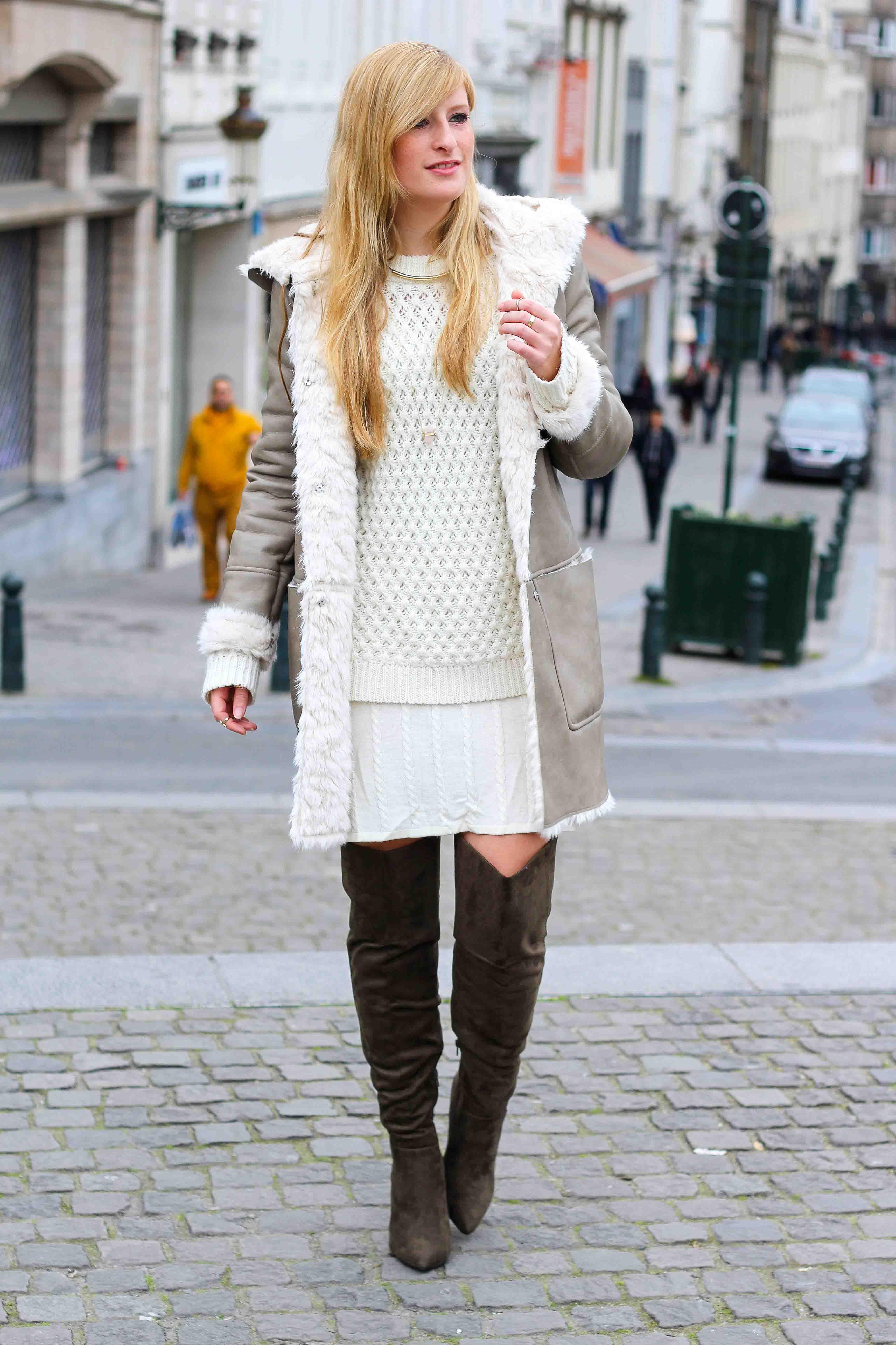 Grüne Overknees Zara Ledermantel Overknee Stiefel Nude Wollkleid Fashion Look Modeblog 1