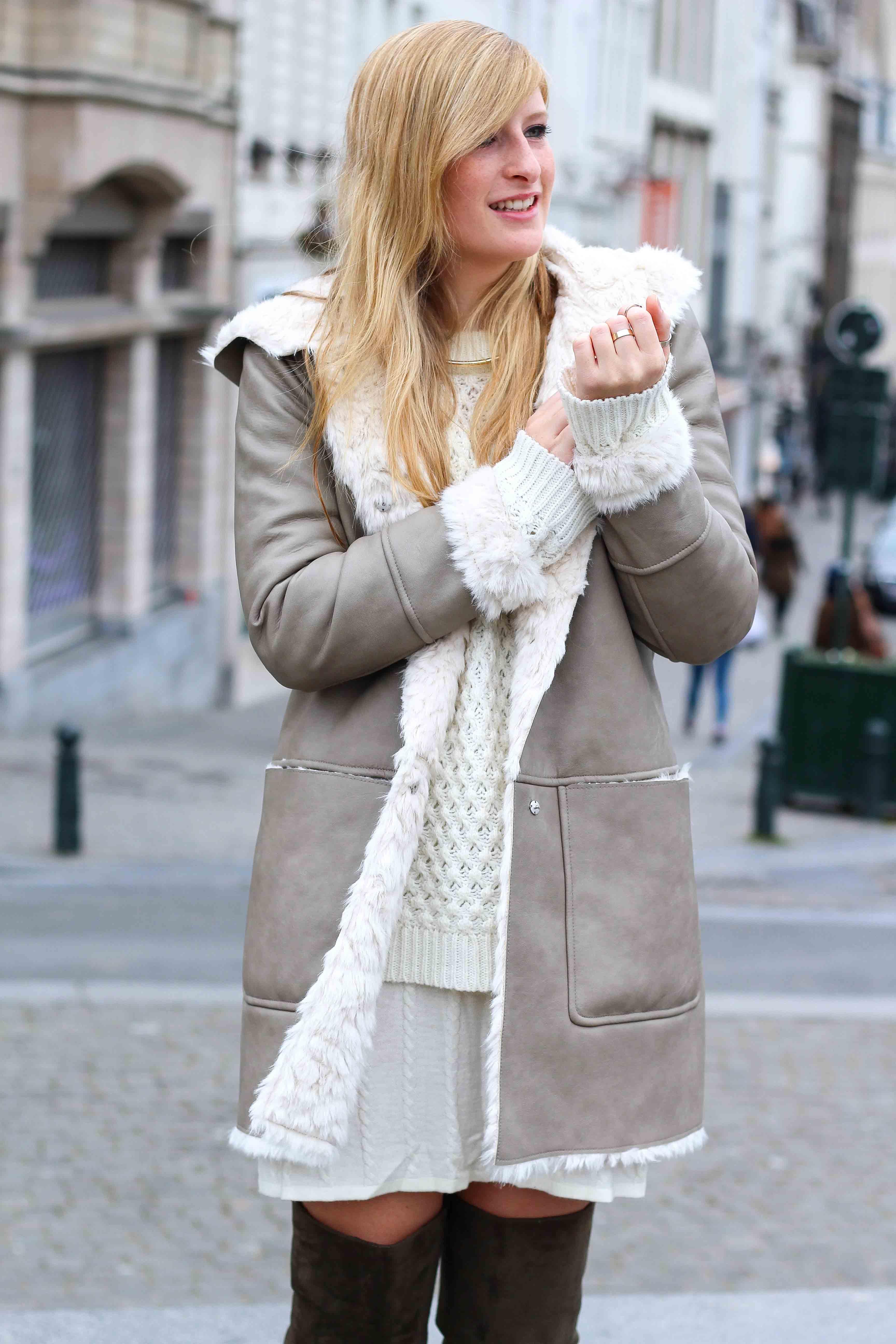Grüne Overknees Zara Ledermantel Overknee Stiefel Nude Wollkleid Fashion Look Modeblog 3