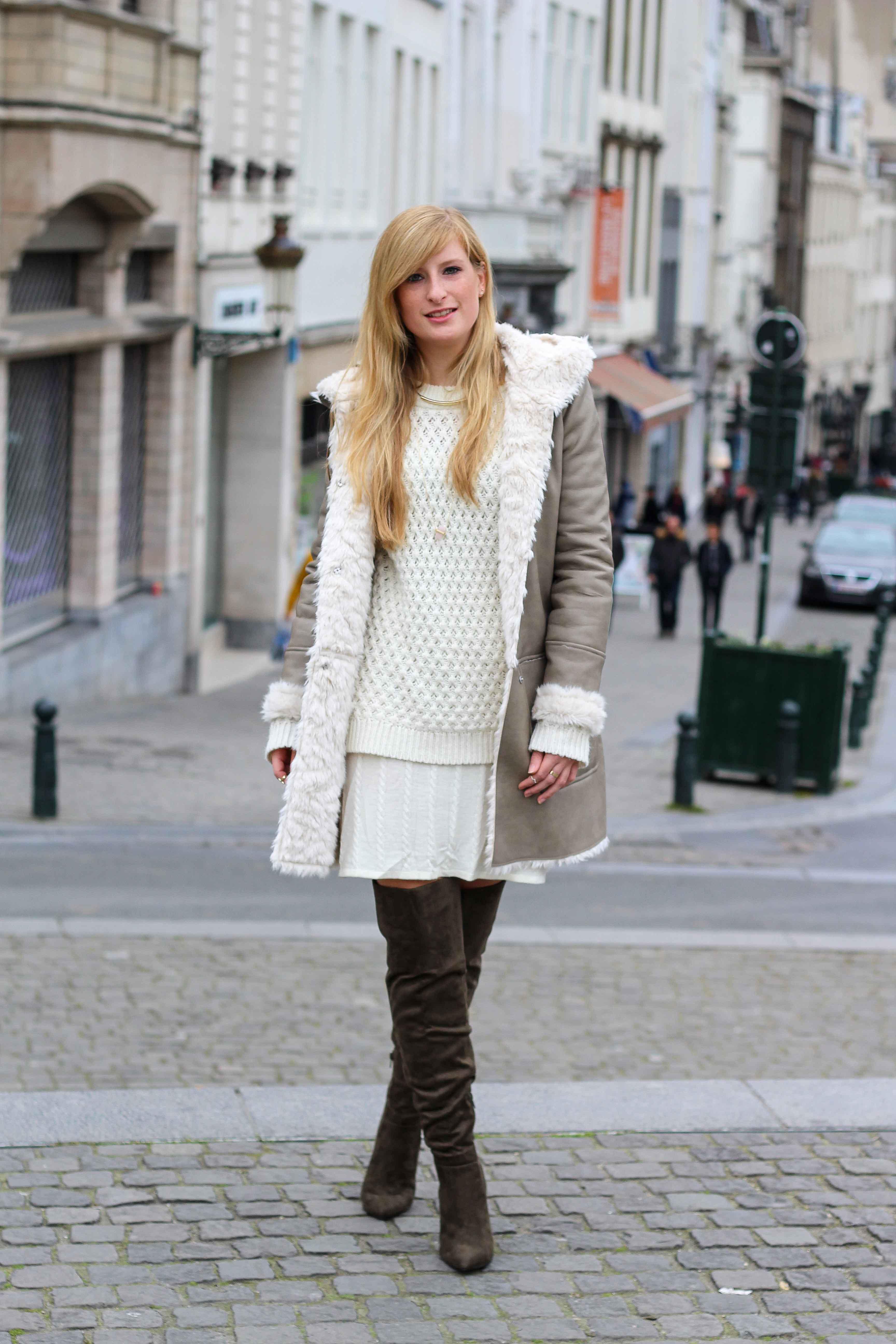 Grüne Overknees Zara Ledermantel Overknee Stiefel Nude Wollkleid Fashion Look Modeblog 4