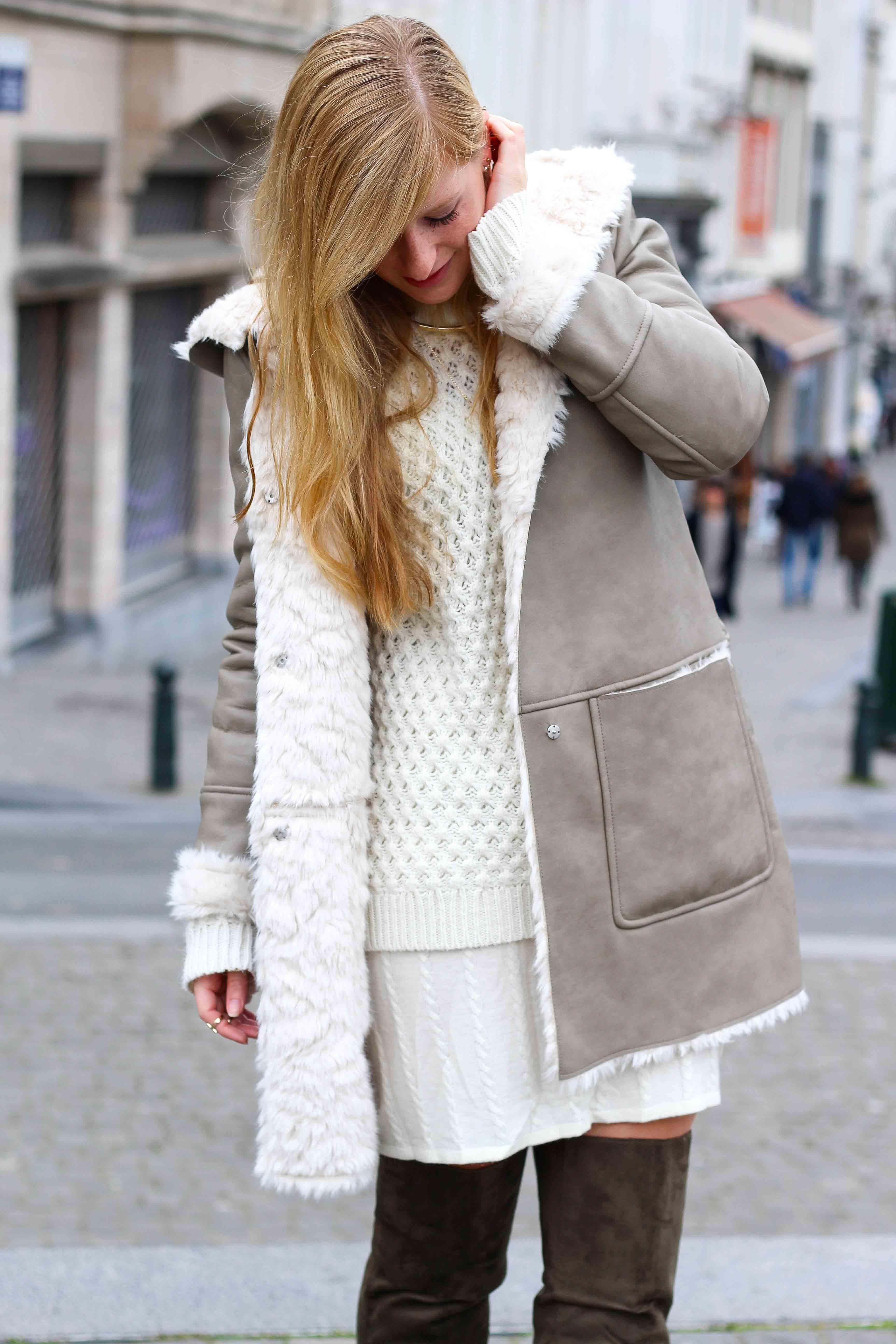 Grüne Overknees Zara Ledermantel Overknee Stiefel Nude Wollkleid Fashion Look Modeblog 7