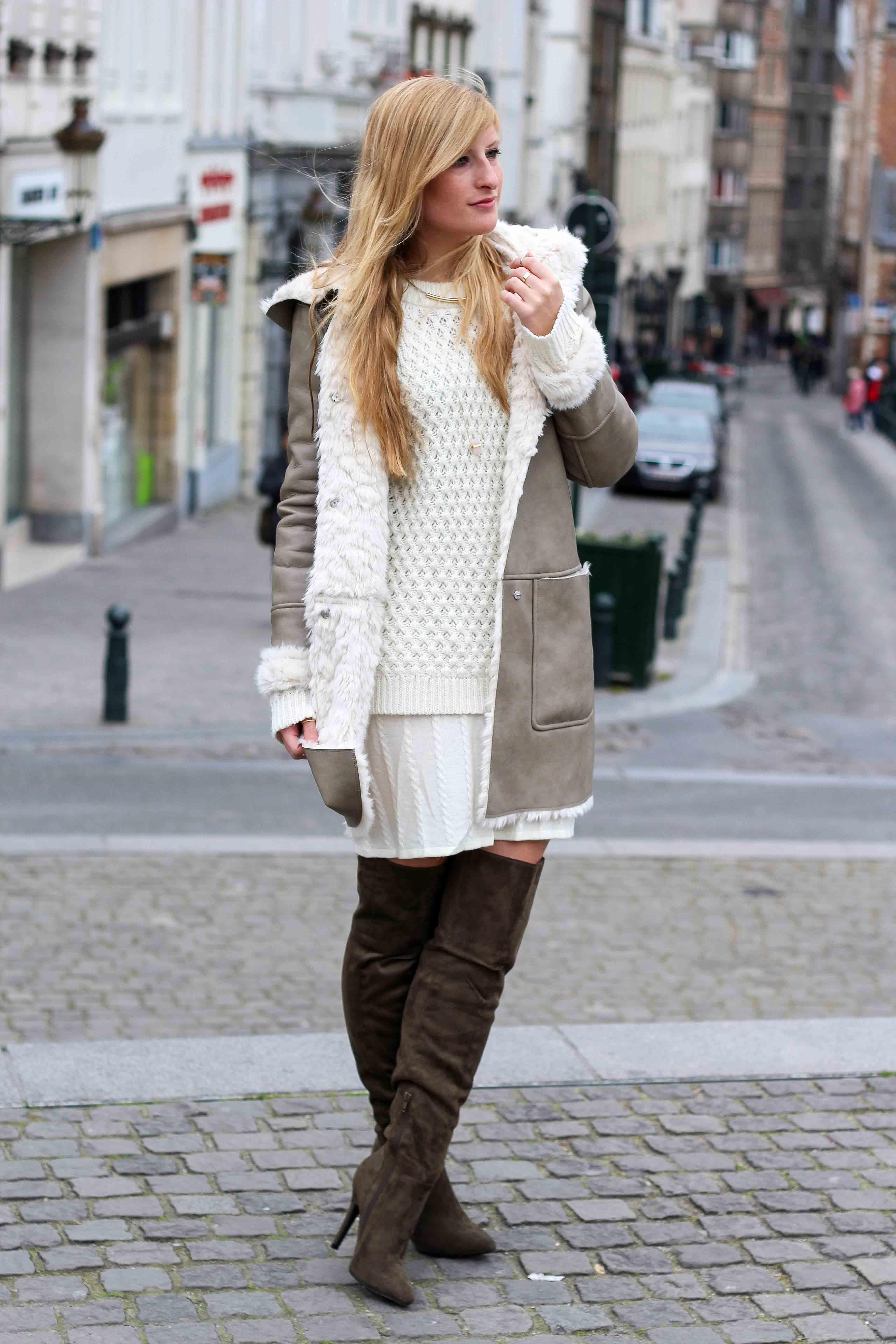 Grüne Overknees Zara Ledermantel Overknee Stiefel Nude Wollkleid Fashion Look Modeblog 8