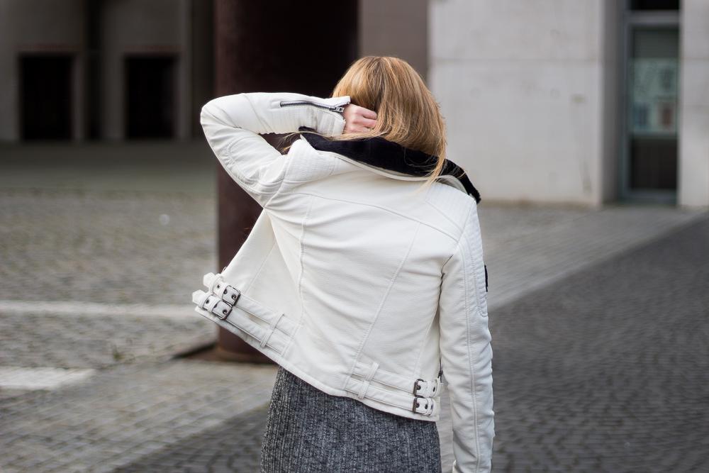 Weiße Lederjacke Superdry Modeblog Deutschland Bloggerin Outfit Frühling 2