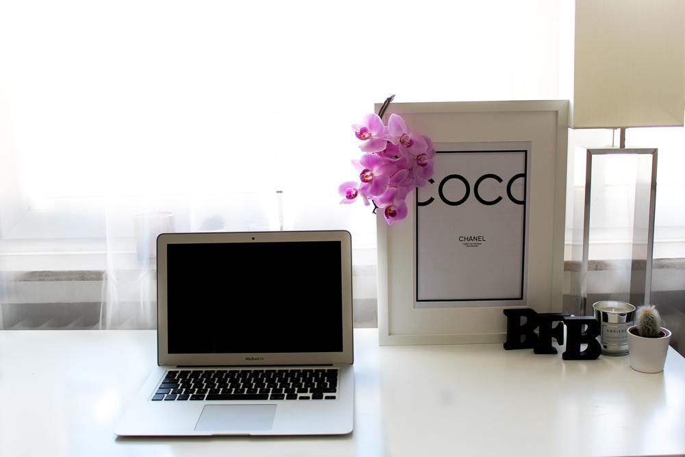 Blogger Arbeitsplatz Modeblog Köln Einblicke Interior Chanel MacBook BrinisFashionBook