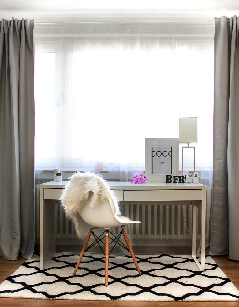 Blogger Arbeitsplatz Modeblogger Arbeitszimmer Interior Eames Stuhl Westwing Teppich