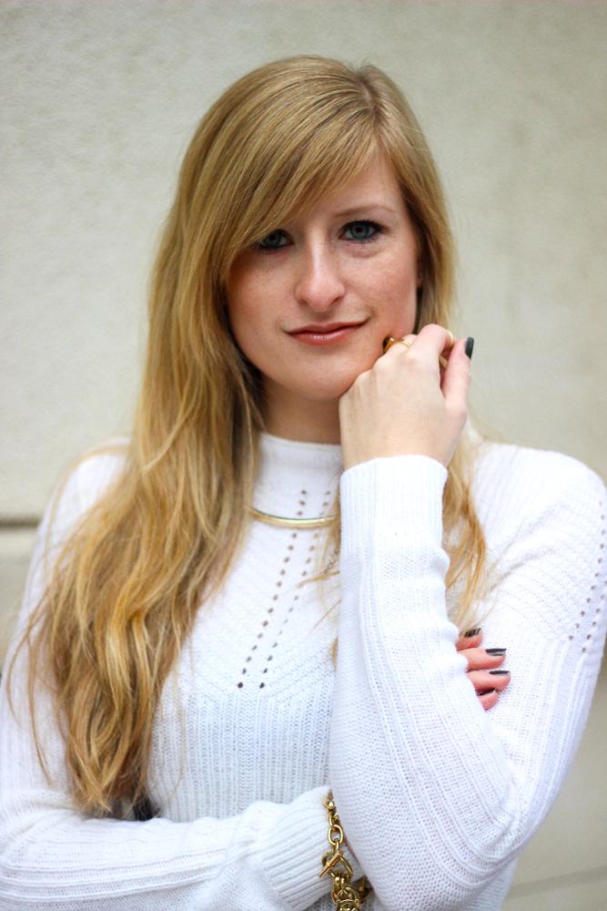 BrinisFashionBook lange blonde Haare goldener Schmuck Modeblog 5