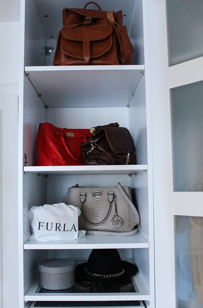 Interior Ankleidezimmer Kleiderschrank Handtaschen Furla Michael Kors Einrichtung Ikea Pax