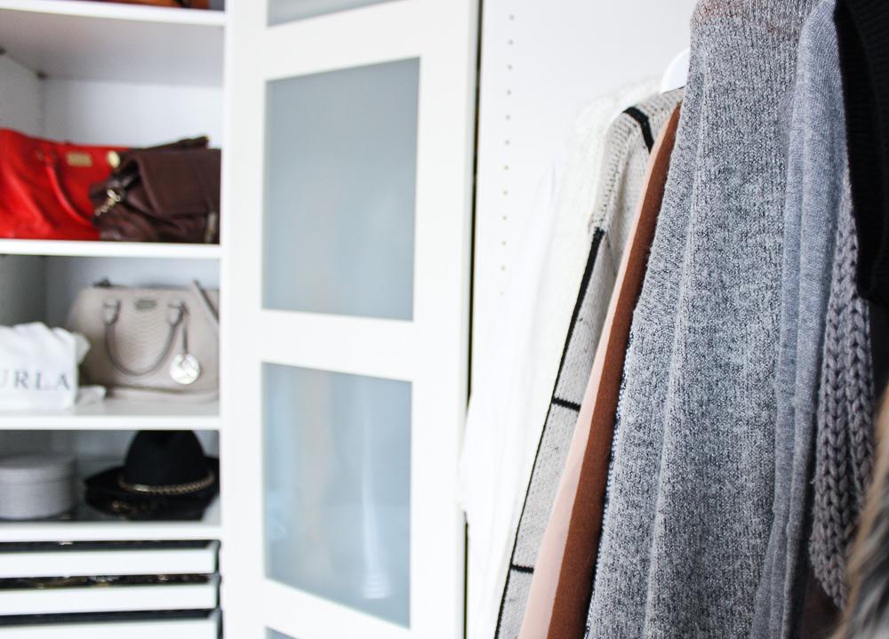 Interior Ankleidezimmer Kleiderschrank offenes System Einrichtung Ikea Pax weiß Eckschrank
