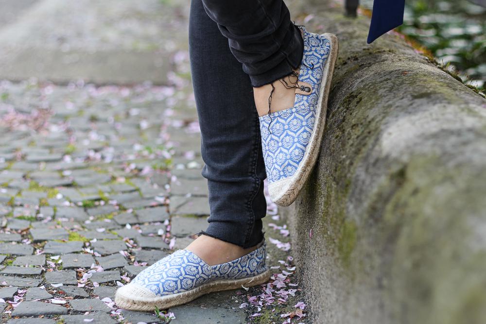 Outfit Modeblog blaue Espadrilles Sommerlook Urlaubsoutfit 8