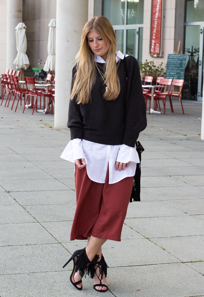 Weinrote Culotte kombinieren OOTD Outfit Fransen High Heels JustFab Frühlingslook 1