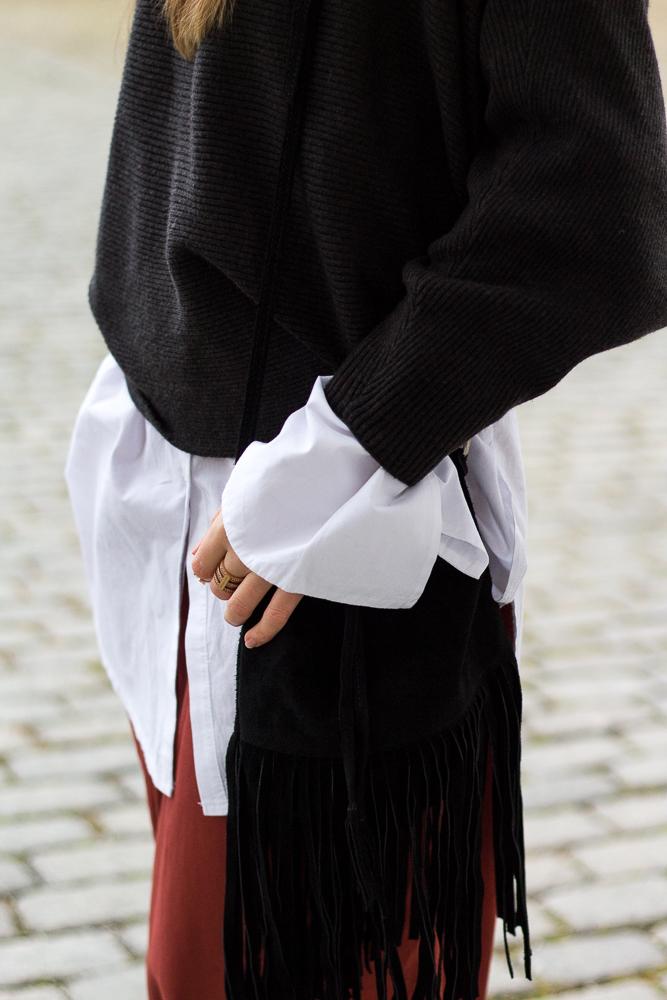 Weinrote Culotte kombinieren OOTD Outfit Fransentasche Frühlingslook 2