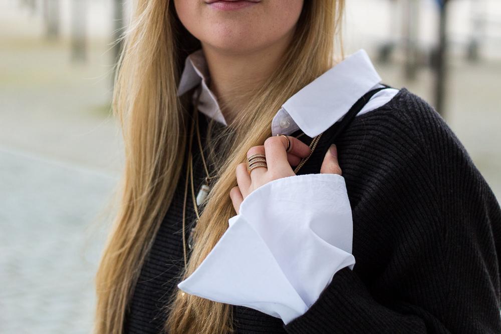 weiße Trompetenbluse Details Pullover blonde Haare 5