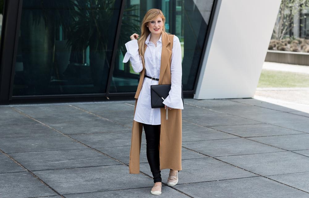 Brinis FashionBook Bluse Trompetenärmeln Espadrilles Outfit kombinieren Modeblog Köln 8