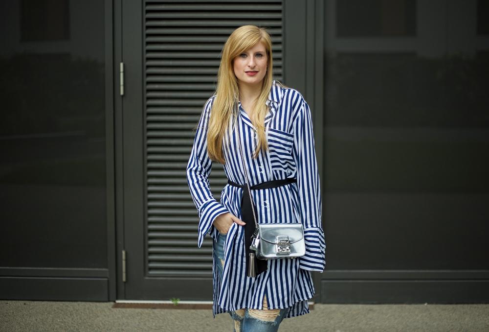 Frühlingsoutfit lookbook blau weiß gestreifte Bluse Edited Modeblog Köln 5