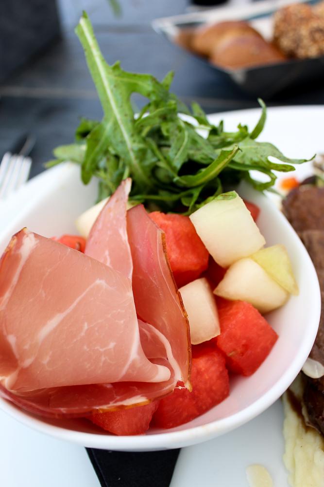 Kameha Grand Bonn Quick Business Lunch 3 Gänge Melonensalat Parmaschinken Rucola Vorspeise