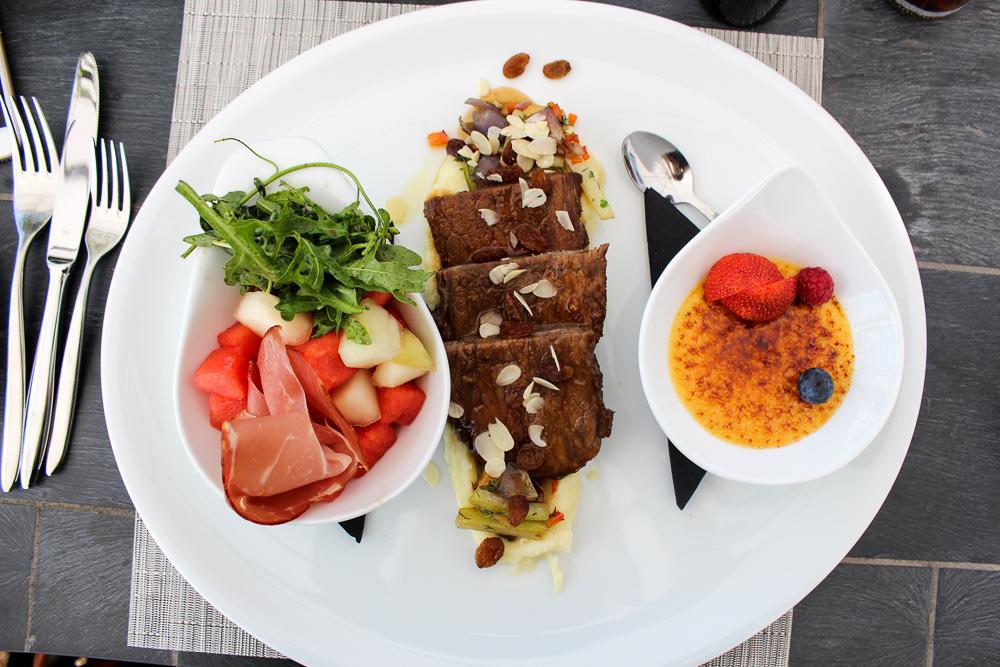 Kameha Grand Bonn Quick Business Lunch 3 Gänge Melonensalat Sauerbraten Creme brulee