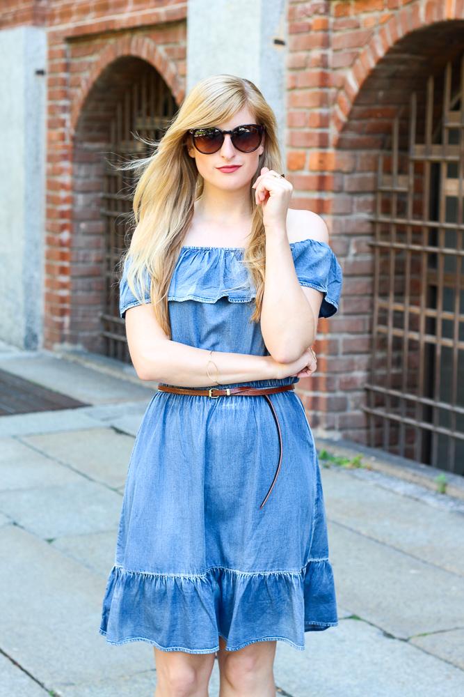 Off-Shoulder Jeanskleid schulterfrei JustFab Mailand Modeblog BrinisFashionBook Sommer Outfit 2
