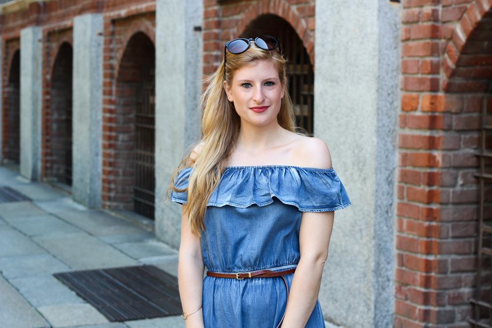 Off-Shoulder Jeanskleid schulterfrei Mailand Modeblog Blogger BrinisFashionBook 5