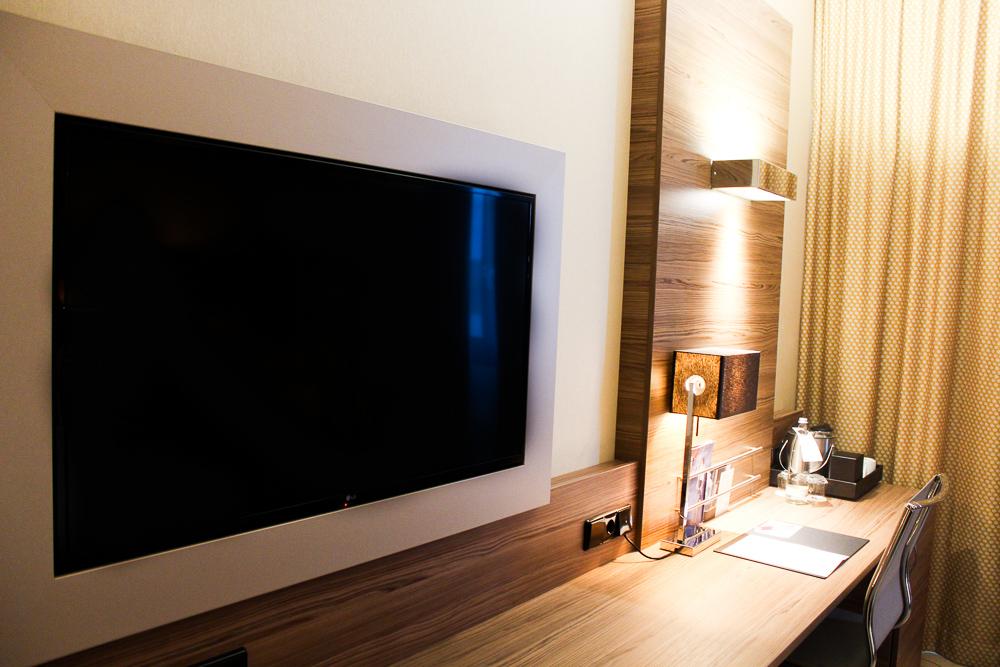 Hotel Bonn Marriott World Conference Center Doppelzimmer Flachbild Fernseher Reiseblog Bonn