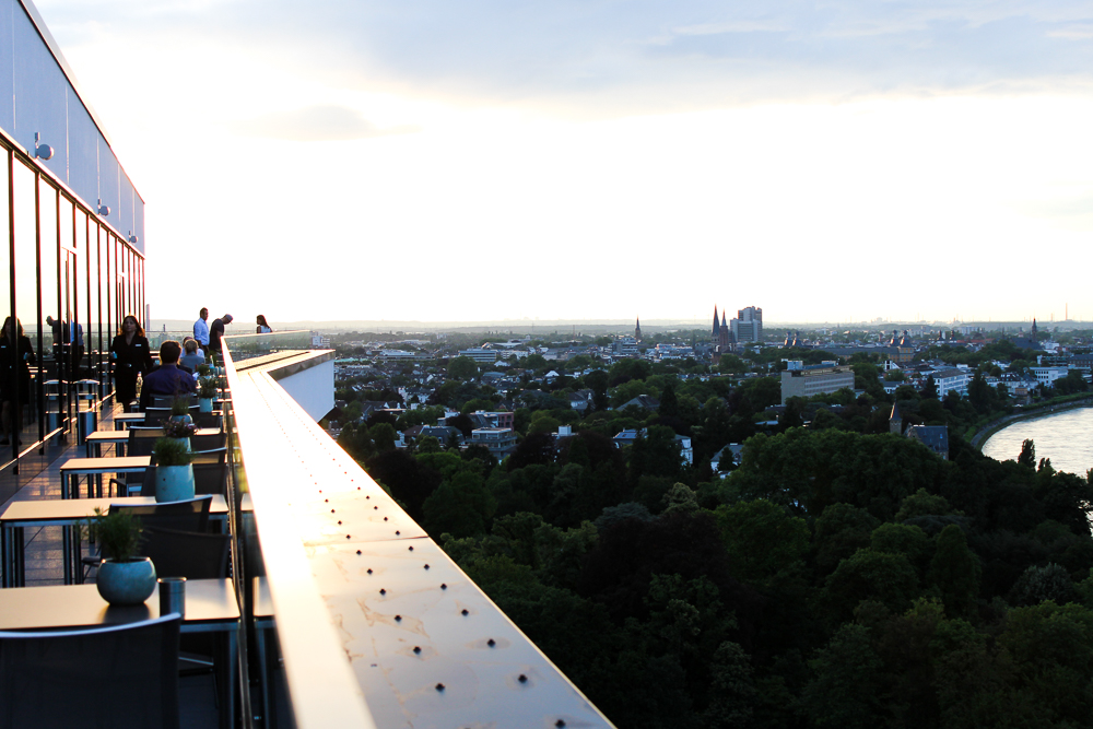 Hotel Bonn Marriott World Conference Center Skyline-bar Konrads Ausblick Rheinblick Reiseblog
