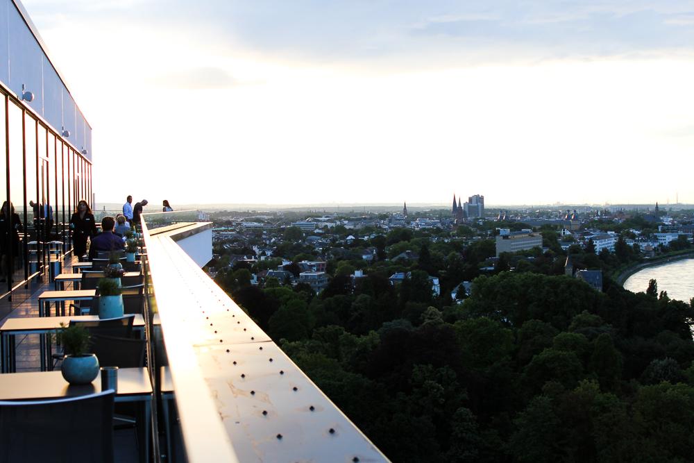 Hotel Bonn Marriott World Conference Center Skyline-bar Konrads Ausblick Rheinblick Reiseblog