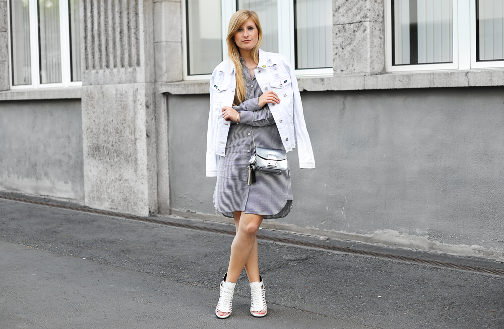 MBFW Outfit Blusenkleid JustFab weiße Jeansjacke silberne Furla Metropolis Modeblogger 6