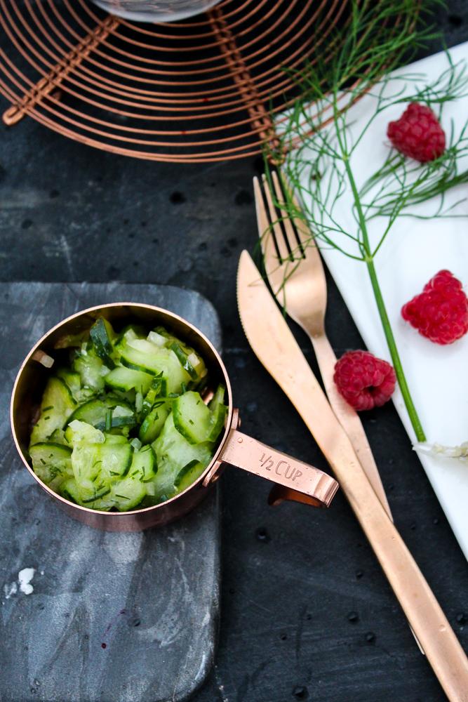 Mercure Blogger Event Gurkensalat Kupfer Besteck Food Blogger Food-Styling Workshop Maria Brinkop