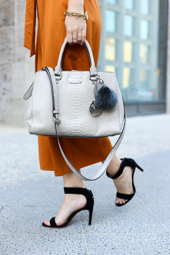 Modeblog Sommertrend 2016 orange Culotte graue Michael Kors Tasche Streetstyle Berlin 3