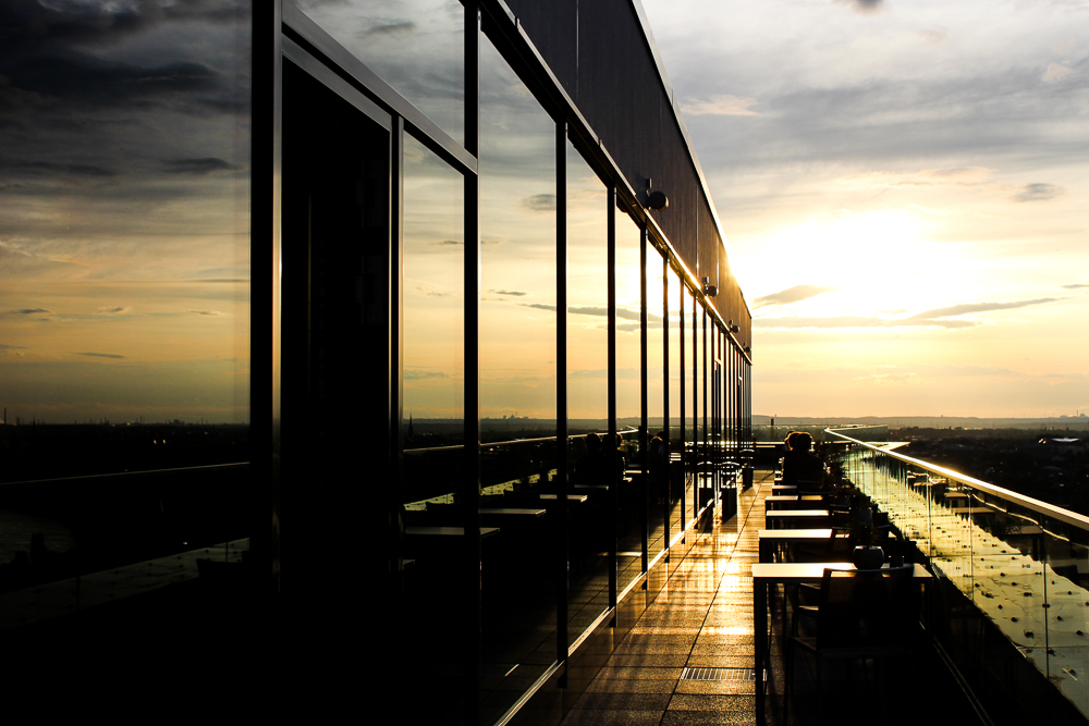 Sonnenuntergang Hotel Bonn Marriott Skyline-bar Konrads Ausblick Rheinblick Bonn Reiseblog