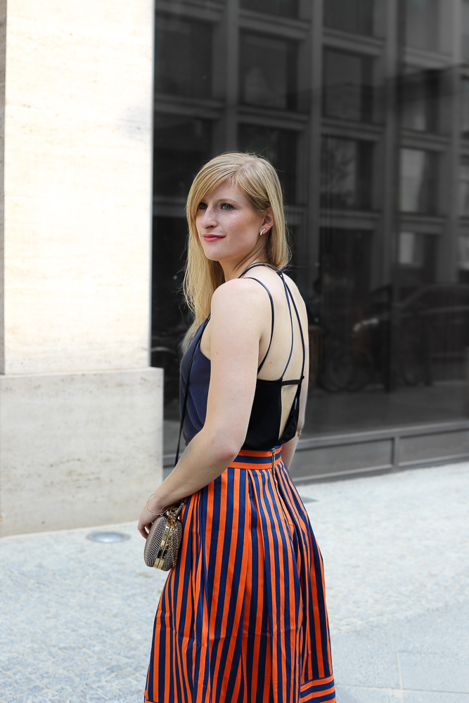 Streetstyle Berlin MBFW Fashion Week Look blaues Zara Top Rückenfrei Modeblog 5