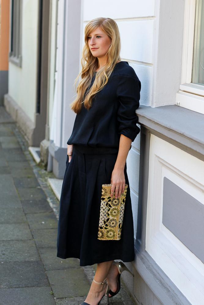 All Black Zweiteiler Anne Gorke Schwarze Culotte Clutch Abury Sparkle Store Outfit Modeblog 5