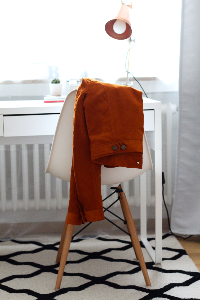 Blogger Interior Eames Stuhl Designer Stuhl weiß Westwing Teppich Blog Bonn