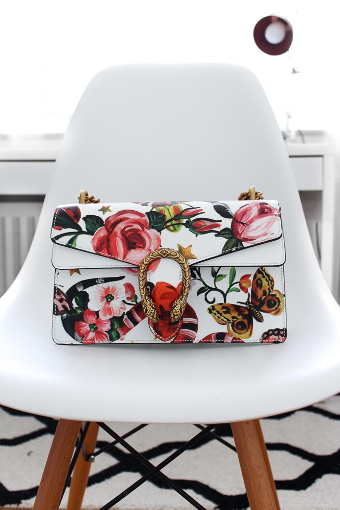 Designertasche Gucci Dionysus Garden-Print Fashion Blog Trendtasche bunt Blumen BrinisFashionBook